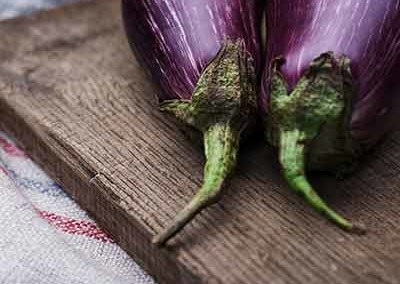 Gegrilde aubergine Griekse Stijl